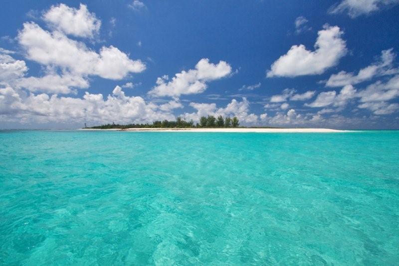 GK_island_from_sea(3)